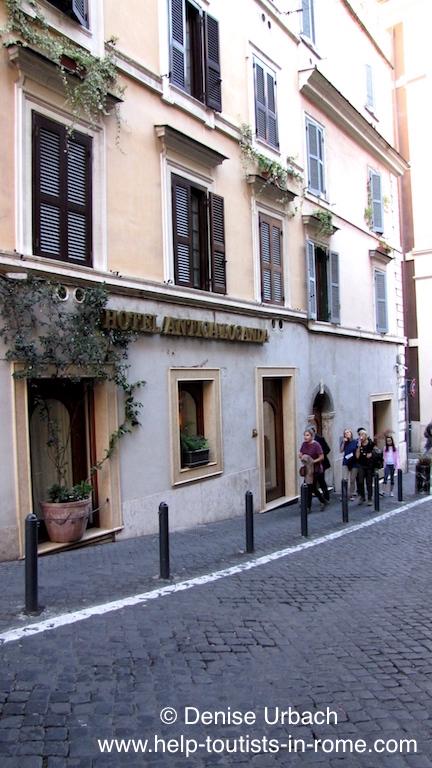 shoppingstrasse rom helptourists in rome. Black Bedroom Furniture Sets. Home Design Ideas