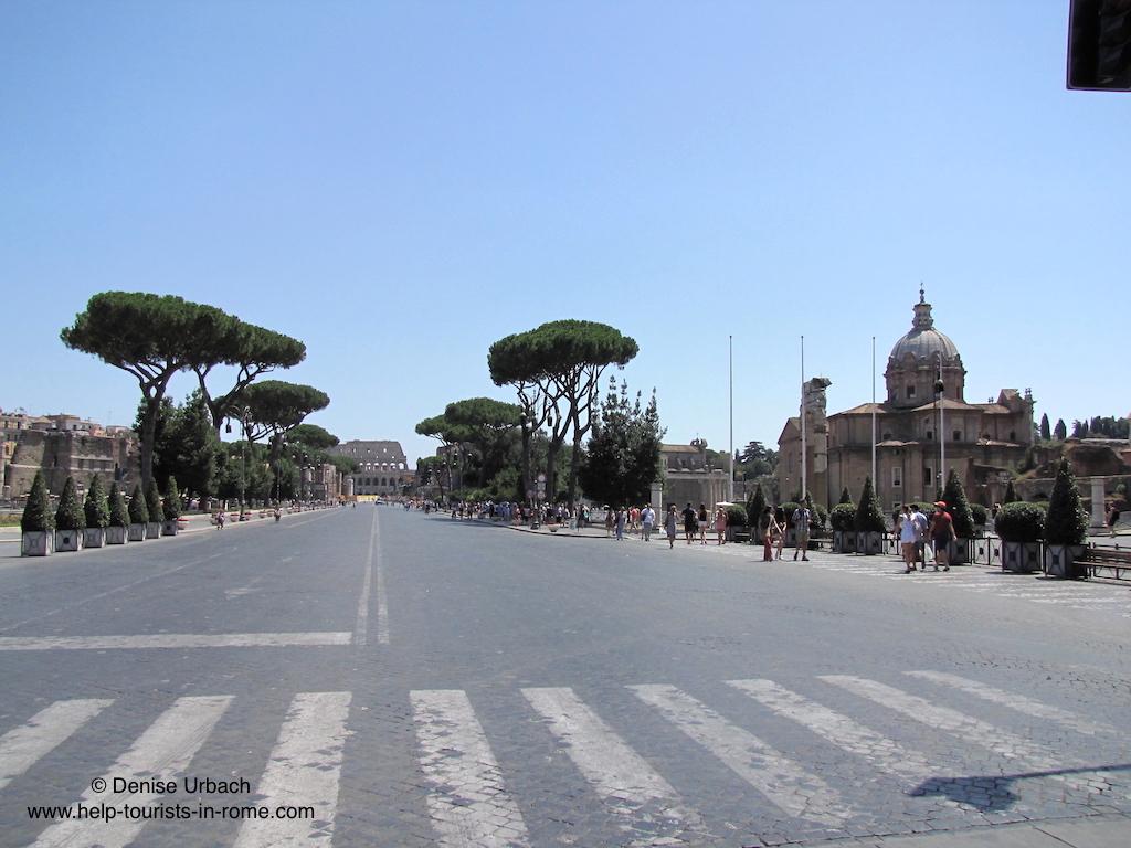 strasse der kaiserforen in rom helptourists in rome. Black Bedroom Furniture Sets. Home Design Ideas