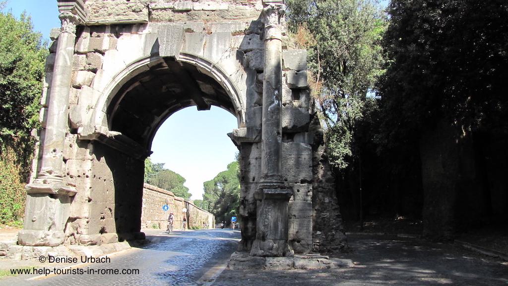 Via appia rome help tourists in for Cioccari arredamenti via appia