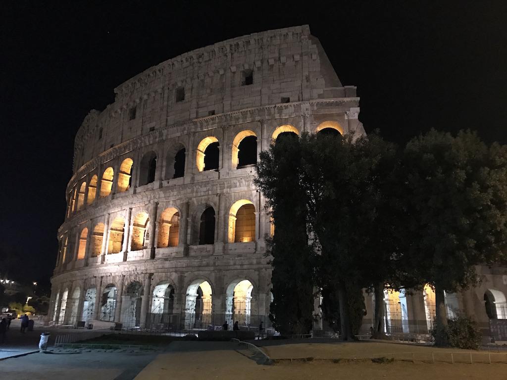 kolosseum in rom helptourists in rome. Black Bedroom Furniture Sets. Home Design Ideas