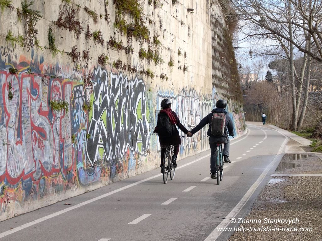 Valentinstag in Rom Tiber Radweg
