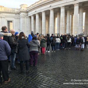 Sicherheitskontrollen vor Papstaudienz