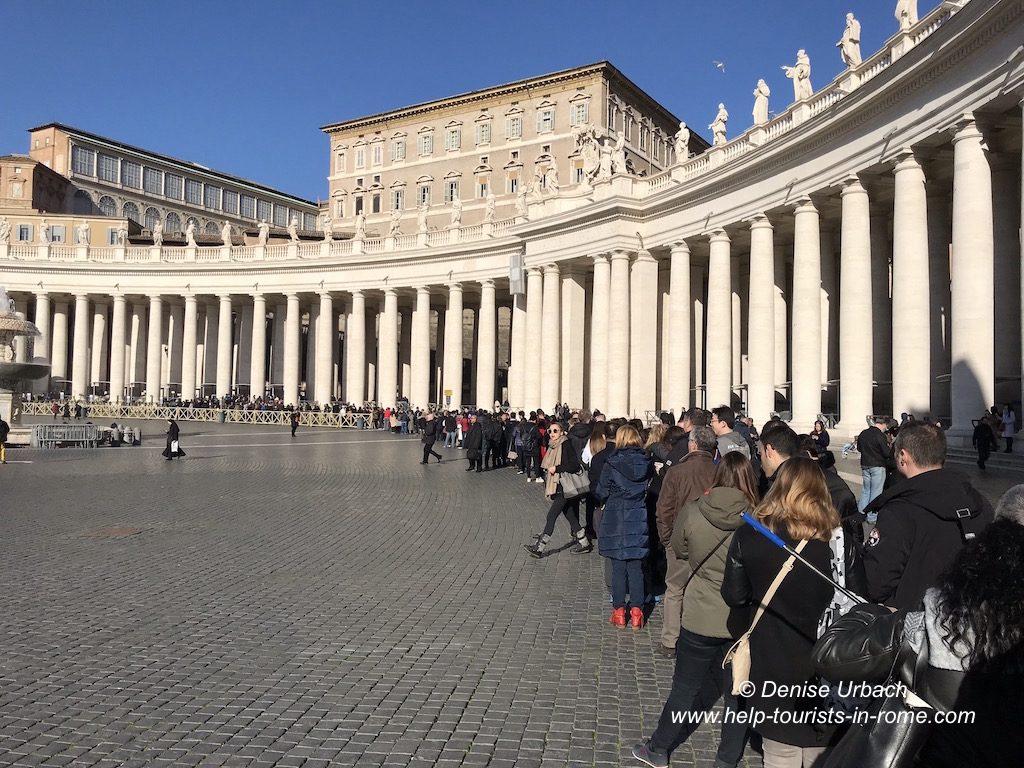 Warteschlange Petersdom Rom