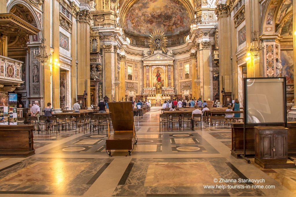 Chiesa del Gesu Rom inside