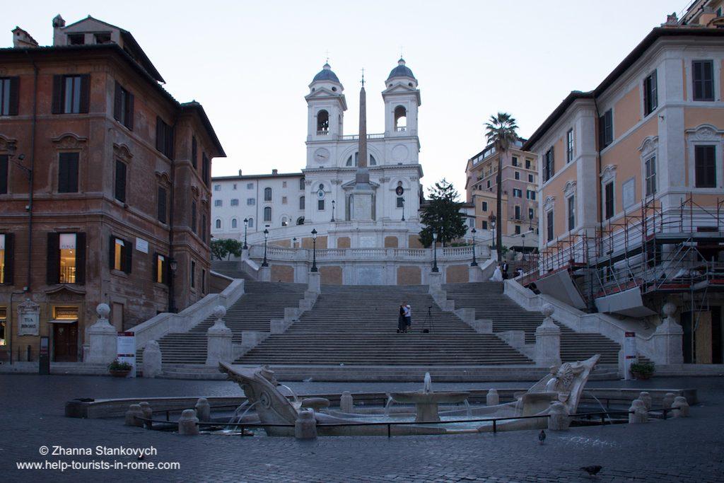 Spanische Treppe in Rom am Morgen