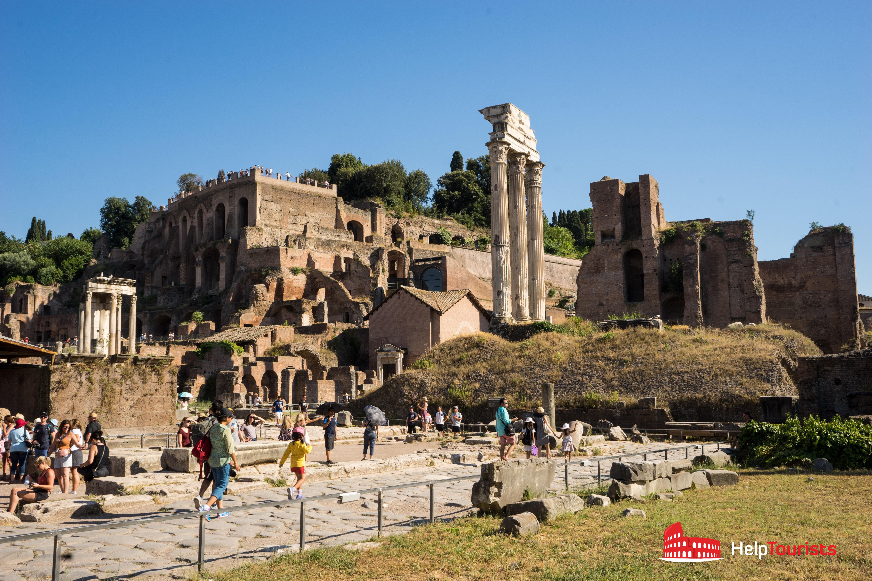 ROME_Forum-Romanum_Casa-delle-Vestali