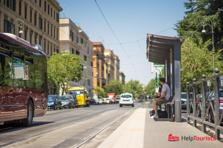 ROME_stop_Tram_local_traffic_l