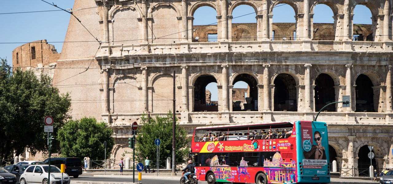 ROME_Hop-on-Sightseeing-Bus 02