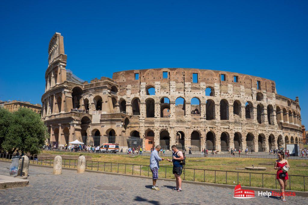 ROME_Colosseum Outside