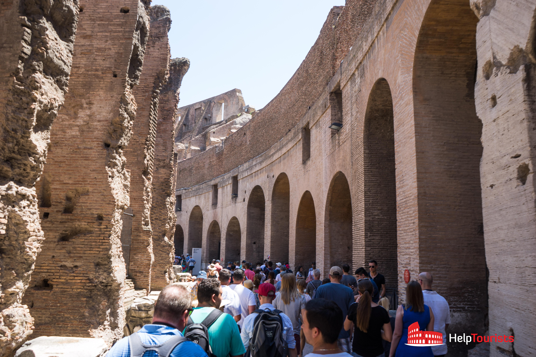 ROME_Colosseum_crowd