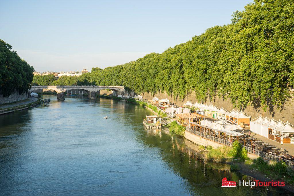 ROME_Tiber_riverbank_l