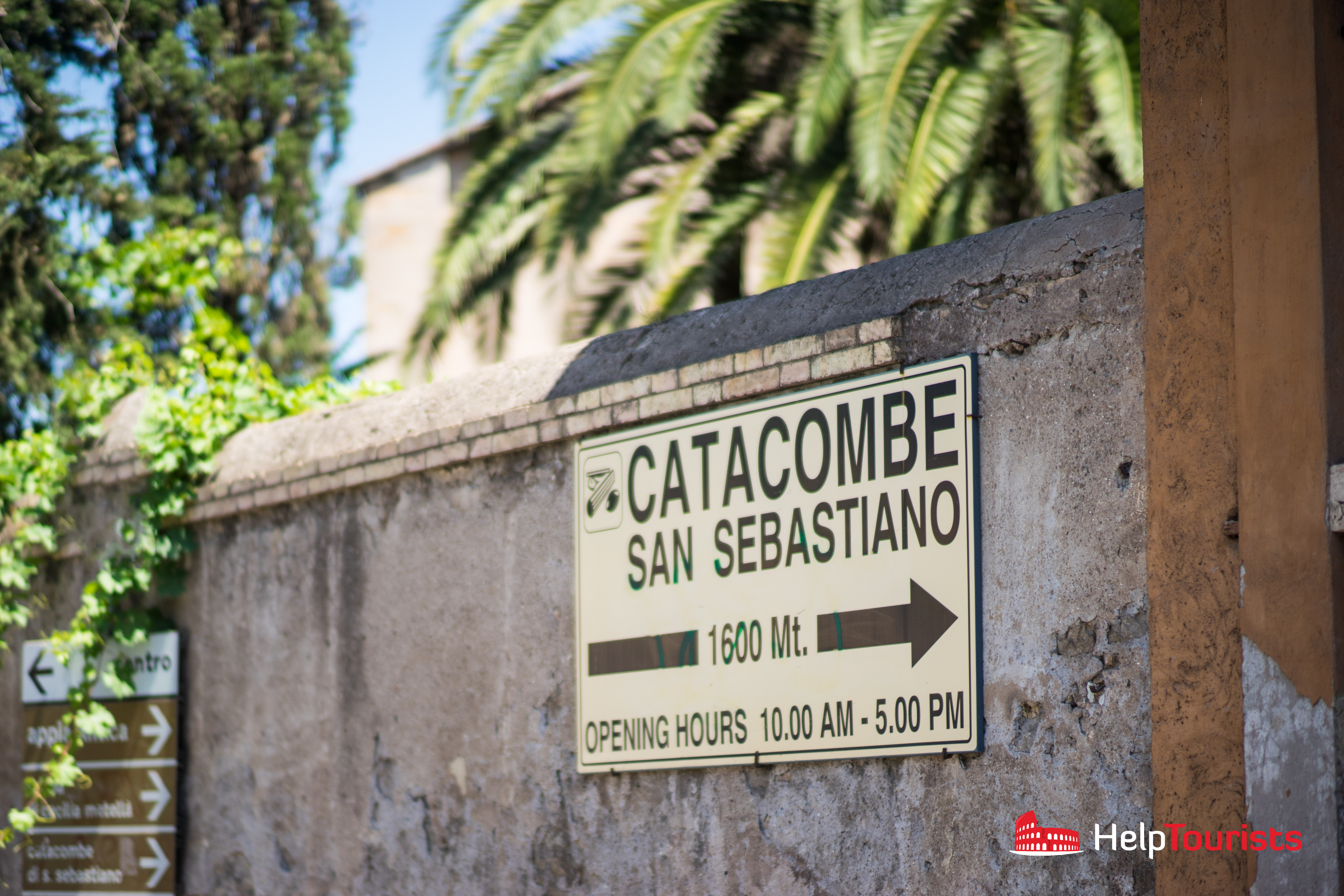 ROME_Via-Appia-Antica_Catacombe-di-San-Callisto_Sign_l