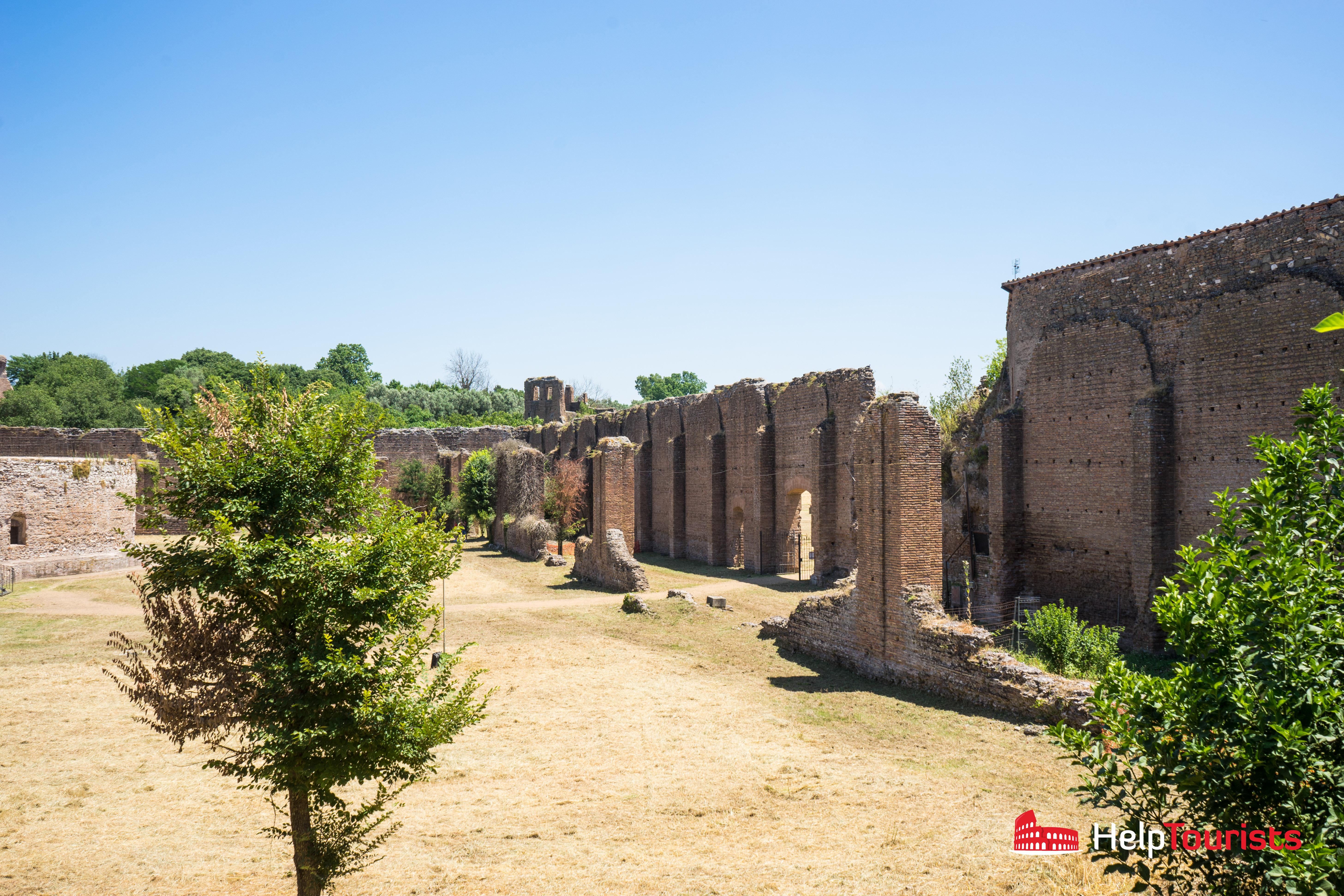 ROME_Via-Appia-Antica_Mausoleo-di-Romolo_l